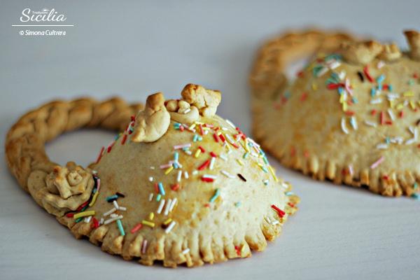 modellazione duratura migliore selezione di miglior prezzo I pupi cù l'ova: dolci tipici della Pasqua siciliana