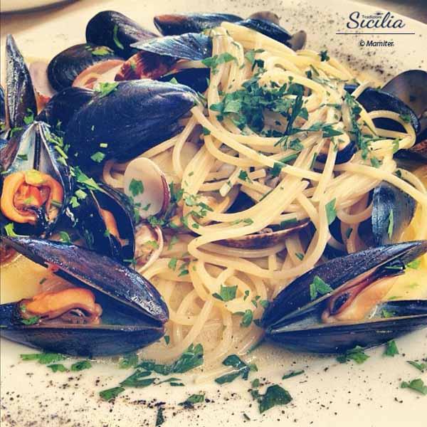 Il mare in tavola spaghetti al pescatore - Il mare in tavola ...