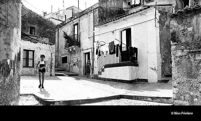 Melilli-1980-centro-storico © Nino Privitera